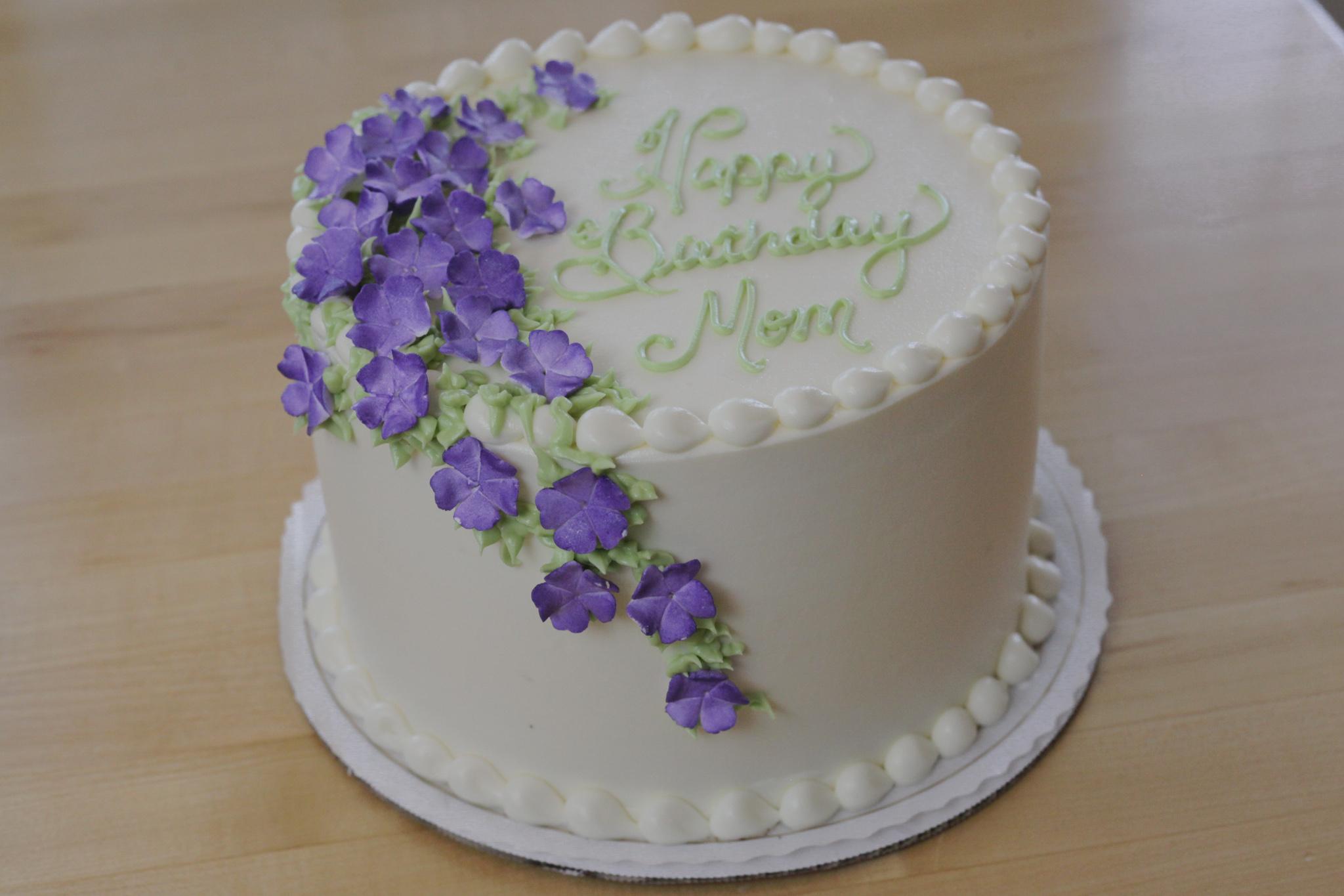 Happy Birthday Cake for Mom!
